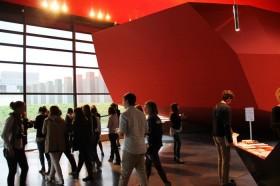 Hall d'entrée avec l'auditorium