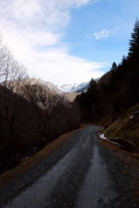 des chemins à parcourir - design à la montagne